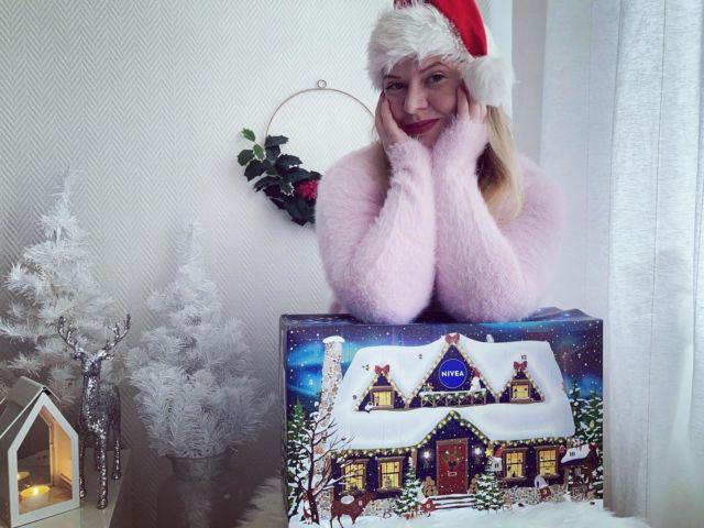 🎅🏻🎉🎄🎁  Joko kävitte kurkkaamassa Diiskuneiti-blogista mitä tämän vuoden Nivean joulukalenteri sisältää? 💙  ➡️➡️➡️ https://diiskuneiti.vaikuttajamedia.fi  *Joulukalenteri saatu PR-lahjana: @niveasuomi @successstorypr